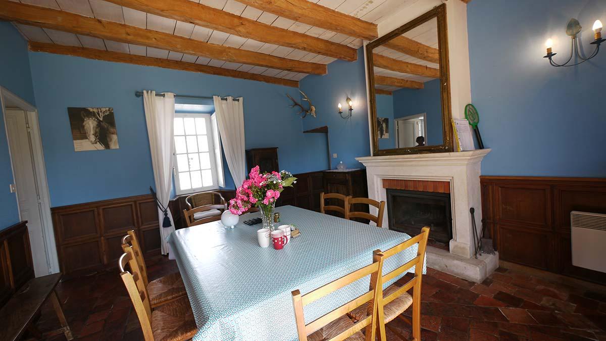 garnaud 8 salle à manger gite Vendée