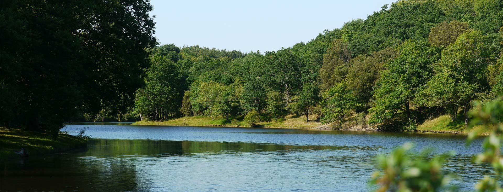 le lac de finfarine près des gites