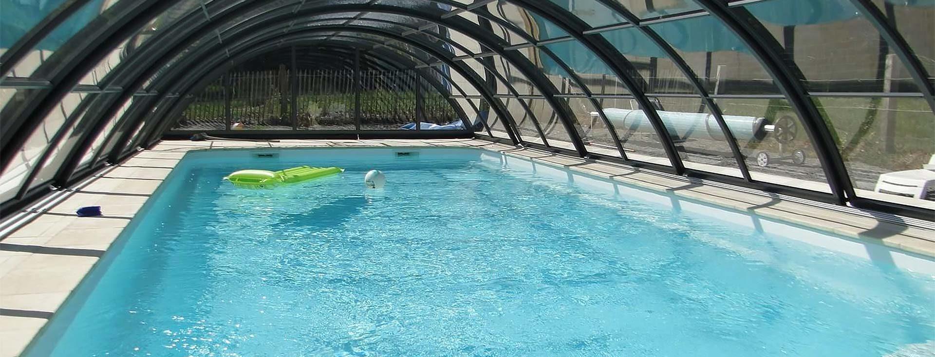 gites vendée avec piscine couverte
